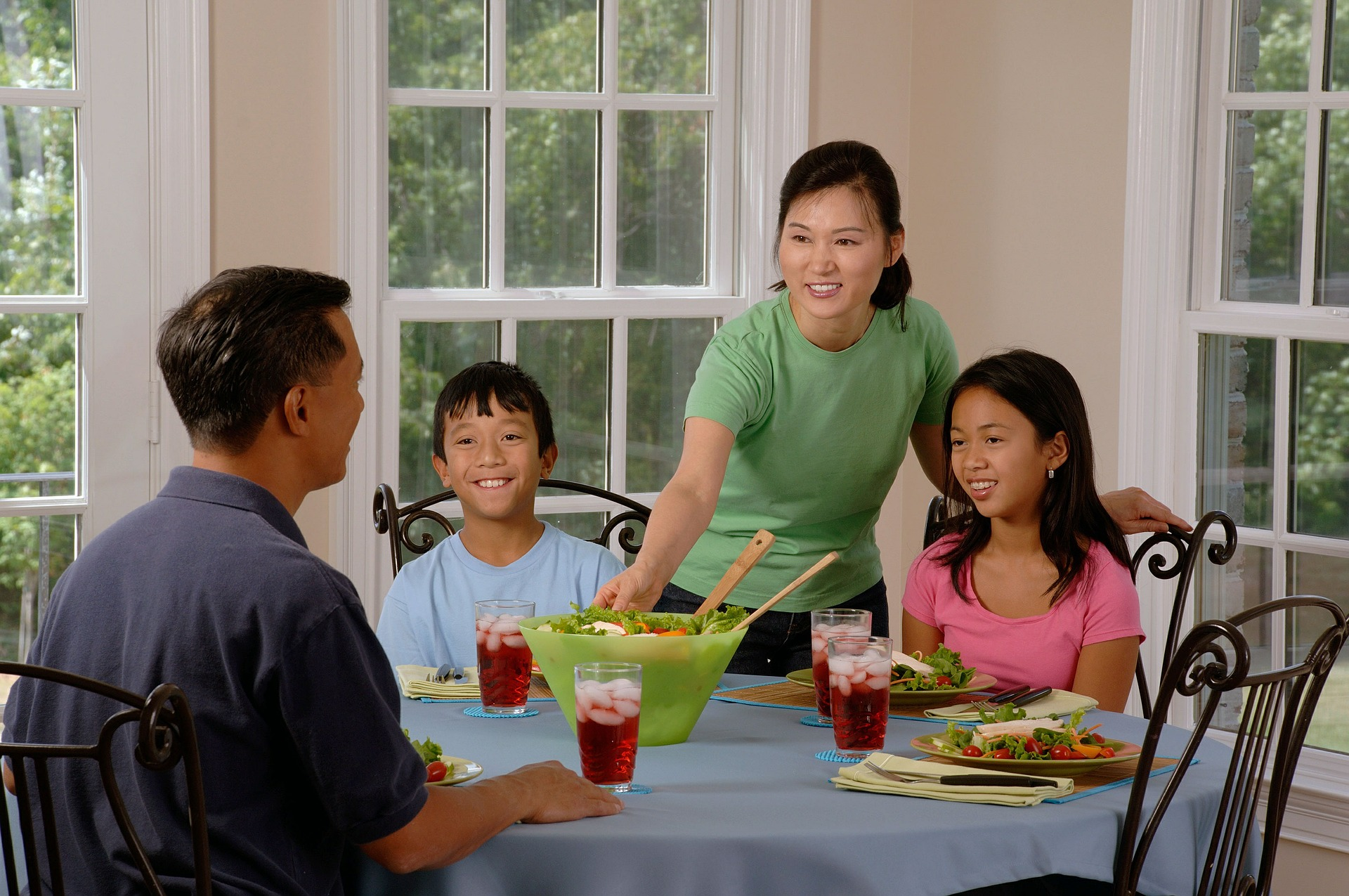 Mealtime madness: reviving the lost art of the dinner time conversation