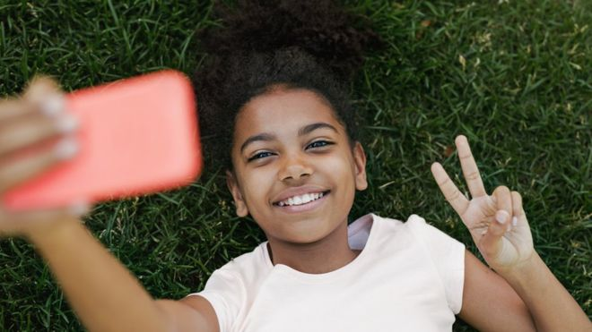 Social media guidelines for young people to be drawn up
